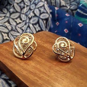 Jewelry - NWOT Flower Austrian Crystal Earrings